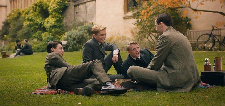 On attendait beaucoup de créativité dans le film Tolkien. C'est normal, l'auteur est le symbole de la créativité. On a eu que des clichés insipides à la place.